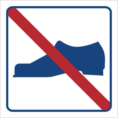 Zakaz używania obuwia (823-04)