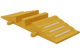 Obrazek  Próg kablowy, żółty ,  300 mm x 830 mm x 75 mm